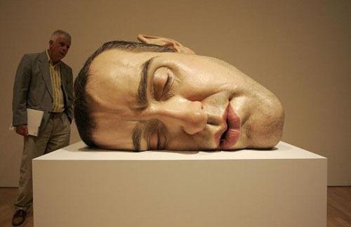 超逼真的人体雕像 澳大利亚雕塑家罗恩Mueck作品