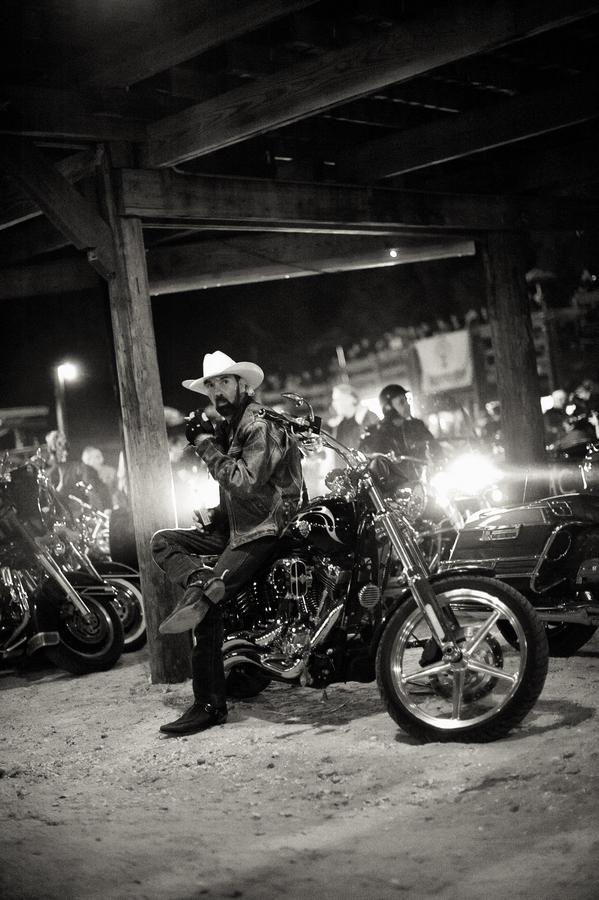 《Biketoberfest 2010》 by Luke Bhothipiti
