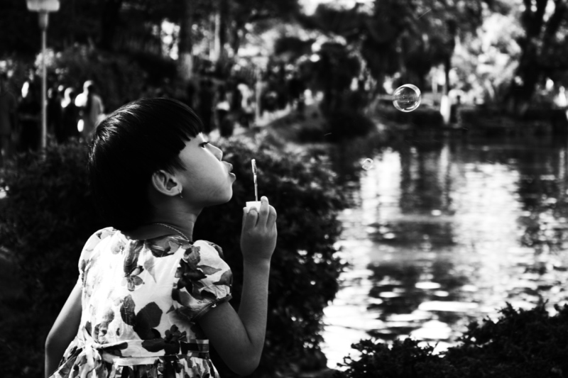 《承载希望的喜悦》 by Dipayan Bhattacharjee