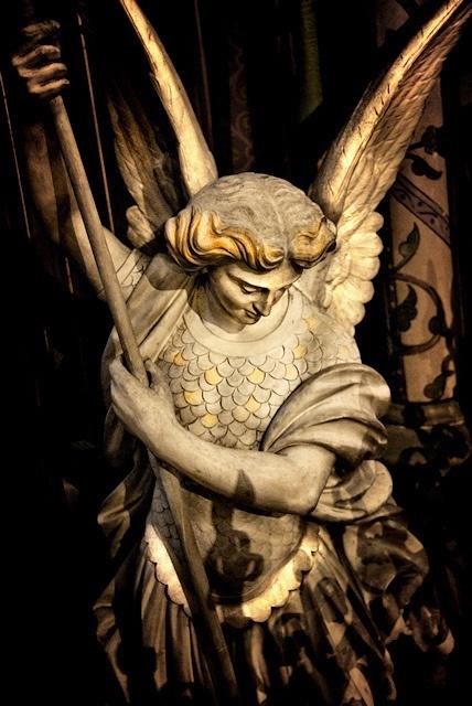 Angel Statue (Saint Michel) by Tiquetonne2067