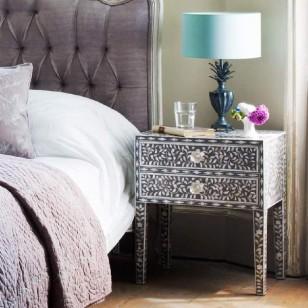 枕边艺术:形态各异的床头柜