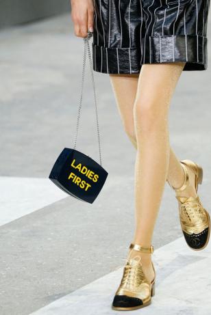Chanel香奈儿包包、女鞋2015春夏巴黎时装周秀场细节图片