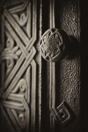 亚美尼亚人古老的木门艺术摄影
