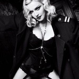 欧美美女麦当娜写真大片蕾丝内衣秀性感身材