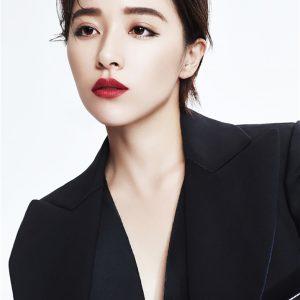 美女明星阚清子帅气西装写真