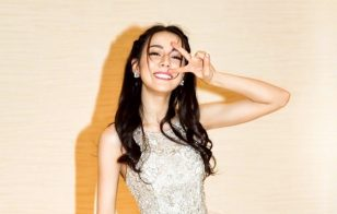 迪丽热巴纯白公主长裙性感写真