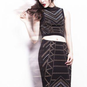 红唇李婳演绎光影时尚