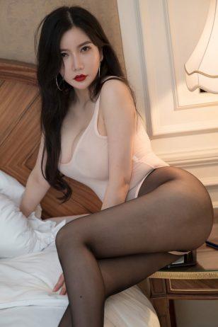 心妍公主黑丝美腿挺拔巨乳性感惹火