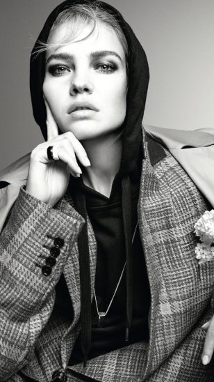 模特:Natalia Vodianova 摄影:Christian MacDonald
