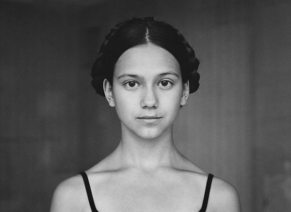 Hana Vojackova摄影作品:时间解剖