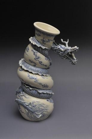 青花瓷盘龙瓷罐