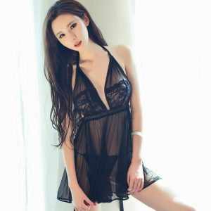 身材高挑的性感美女萌琪琪白洁的肌肤高清写真