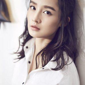 女星李沁白裙美腿淡雅气质新时尚写真
