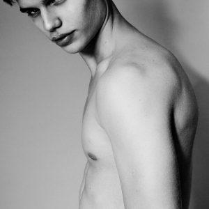 男模 Nikita Berezin 摄影师 Jared Bautista