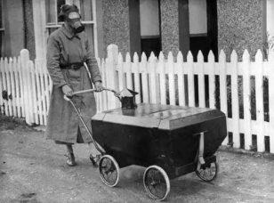 """""""反毒气""""婴儿车"""
