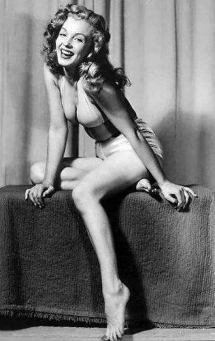 Earl Moran镜头下的玛丽莲梦露