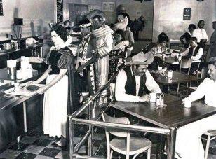 1961年迪斯尼乐园员工餐厅,各位大佬在用餐