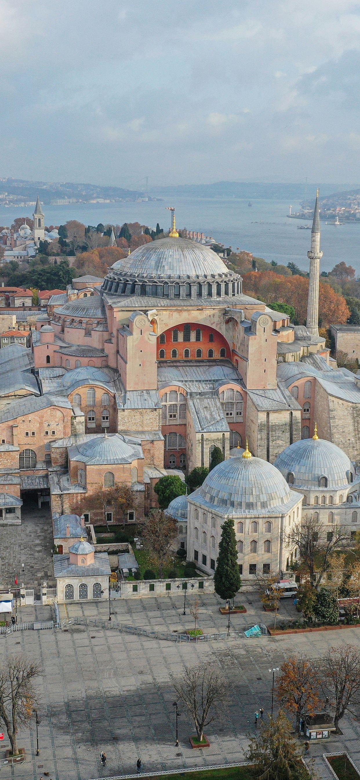 December 7, 2020 - 土耳其购买中国疫苗 土耳其实行全国禁足令,圣索菲亚清真寺周围空荡无人,伊斯坦布尔